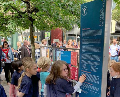 Platz der Kinderrechte - Installation