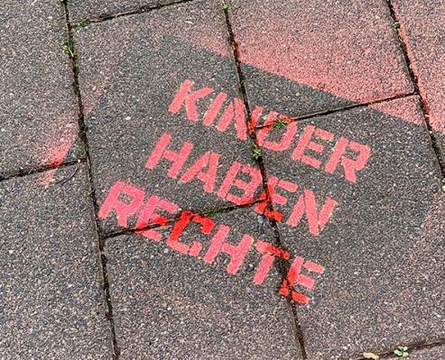 Platz der Kinderrechte - Sprayaktion